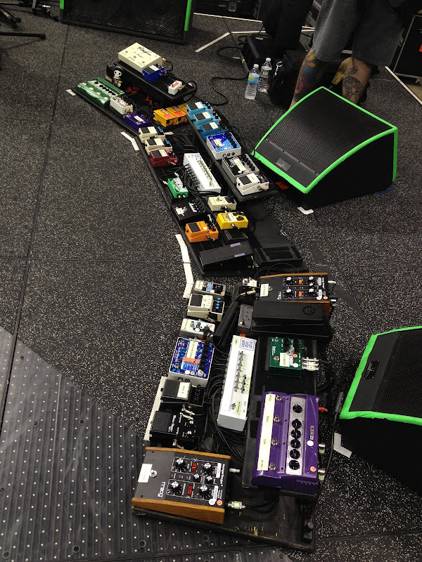 guess who 39 s pedal board page 2 the gear page. Black Bedroom Furniture Sets. Home Design Ideas