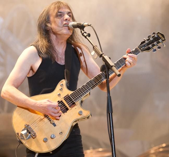 Malcolm Young играет аккорд G